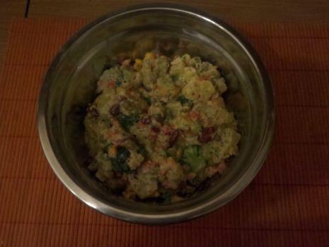 Przepis: Kolorowa sałatka z brokułami