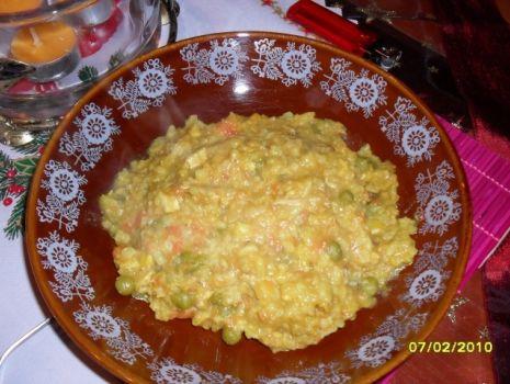 Przepis: Kurczak z ryżem i warzywami w sosie curry