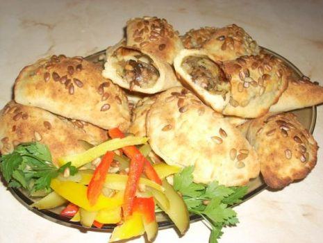 Przepis: Pieczone pierogi ziemniaczane z grzybami