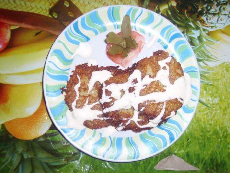 Przepis: Placuszki ziemniaczane z sosem czosnkowo-ogórkowym