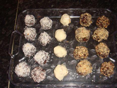 Przepis: Kuleczki kokosowe różnego rodzaju