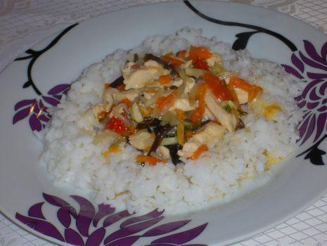 Przepis: Szybki kurczak z ryżem z parowaru