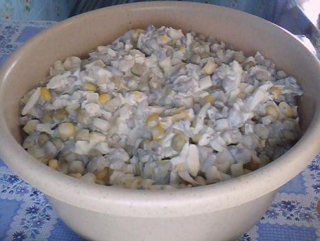 Przepis: sałatka z pieczarkami i jajkami