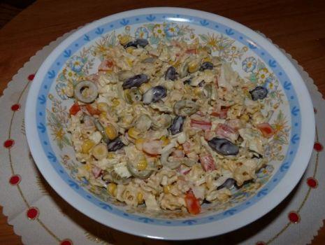 Przepis: Oryginalna sałatka z zupką chińską
