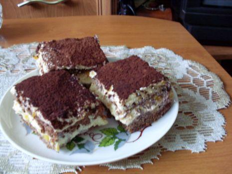 Przepis: Ciasto orzechowe z budyniem