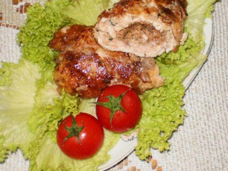 Przepis: Orzechowe roladki z piersi kurczaka :
