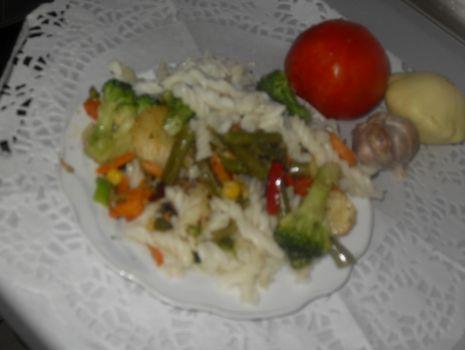 Przepis: Makaron z warzywami
