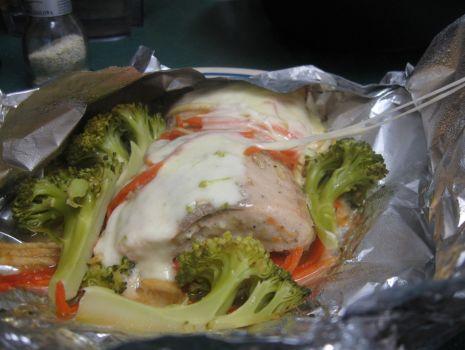 Przepis: łosoś z mozzarellą i brokułami