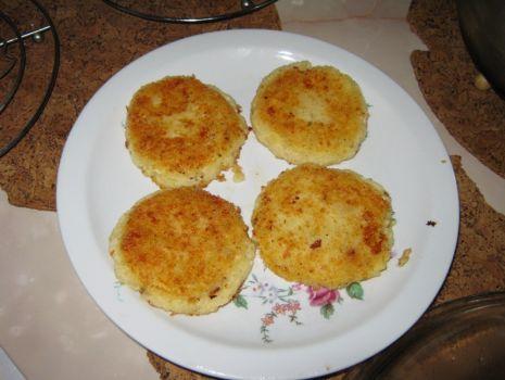 Przepis: Kotleciki ziemniaczano-serowe