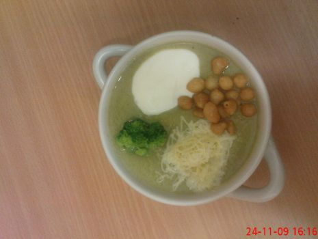 Przepis: Zupa krem z brokułów.
