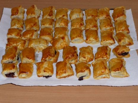Przepis: Fornetti- ciastka z ciasta francuskiego z marmoladą