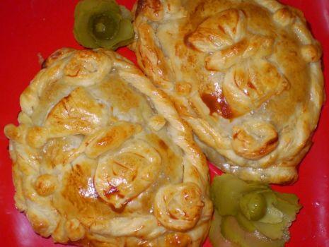 Przepis: Kulebiaczki z ciasta francuskiego z kapustą i grzybami :