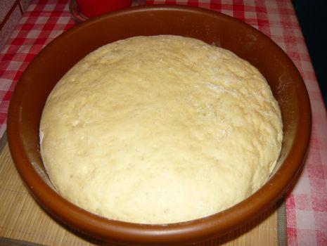 Przepis: Ciasto drożdżowe