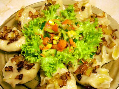 Przepis: Pierogi z mięsem i warzywami
