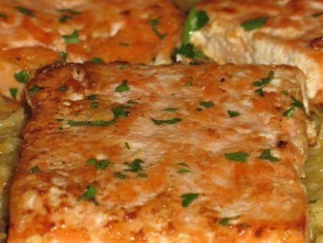 Przepis: Ryby w sosie z kapustą kiszoną