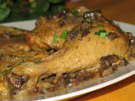 Przepis: Kurczak z suszonymi grzybami i czosnkiem
