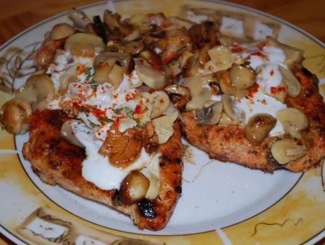 Przepis: Kurczak w Musztardzie, Liściach Curry i Marynowanych Pieczarkach wg Potok