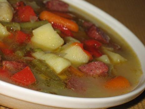 Przepis: Zupa warzywna z kiełbaskami
