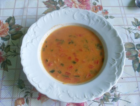 Przepis: kremowa zupa paprykowa