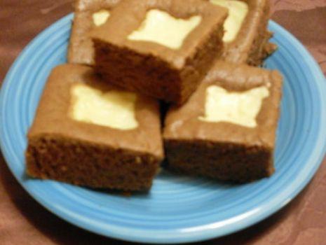 Przepis: Ciasto Kakowe z serowymi kwadratami
