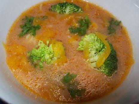 Przepis: Zupa pomidorowa z brokułem i z dynią