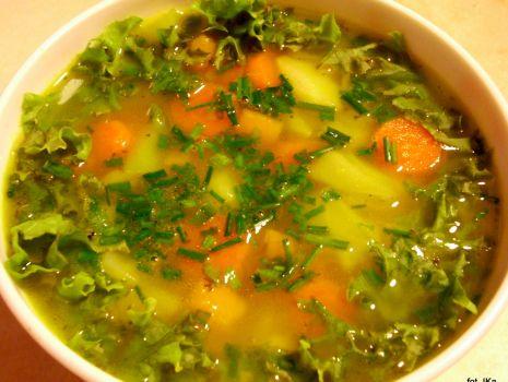 Przepis: Zupa jarzynowa z sałatą