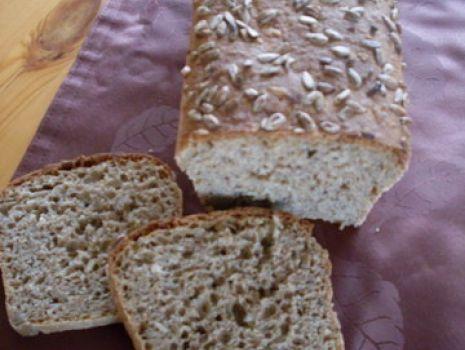 Przepis: Pyszny Chlebek z ziarnami