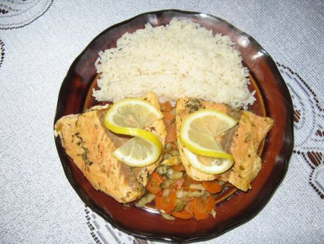Przepis: Ryba duszona na warzywach