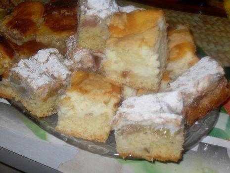Przepis: Ciasto wiosenne rabarbarowe z masą orzechową