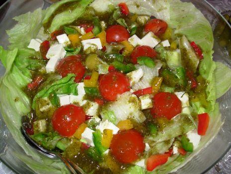Przepis: Sałatka grecka z pomidorkami koktajlowymi