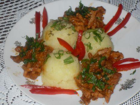 Przepis: Wieprzowy gulasz  a'la węgierski