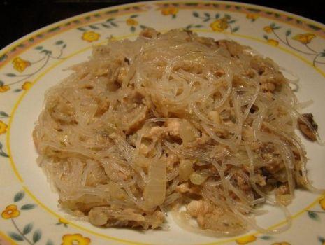 Przepis: Makaron chiński z tuńczykiem