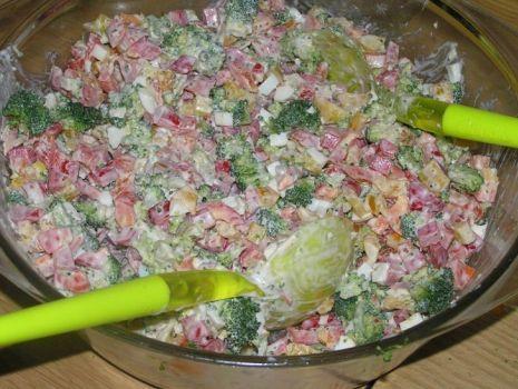 Przepis: Sałatka z brokułami