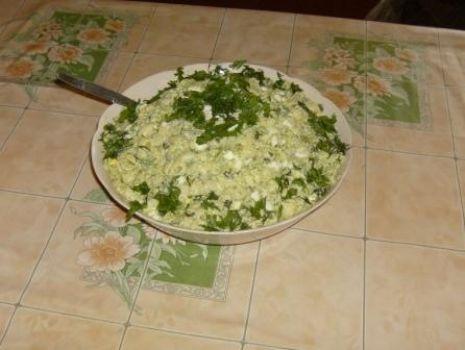 Przepis: Sałatka makaronowa z brokułami