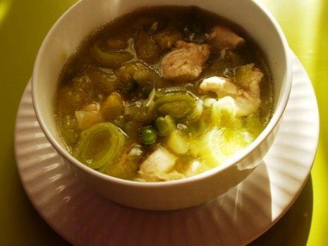 Przepis: Zielona zupa z porem i cukinia