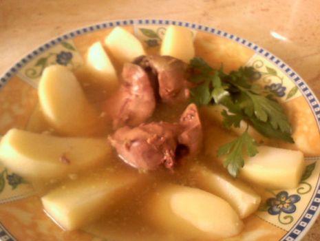 Przepis: Wątróbkowa zupa ziemniaczana