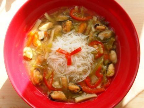 Przepis: Chińska zupa z małżami