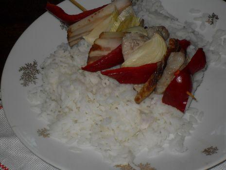 Przepis: Ryż  z szaszłykiem po cygańsku