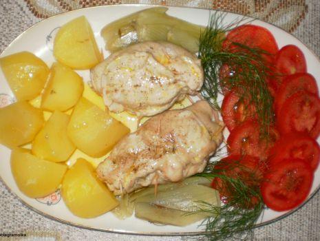 Przepis: Pierś z kurczaka z fenkułem gotowana na parze :