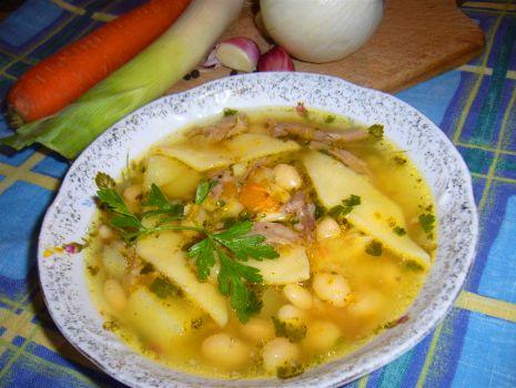 Przepis: Zupa fasolowa z łazankami wg przepisu mojej babci