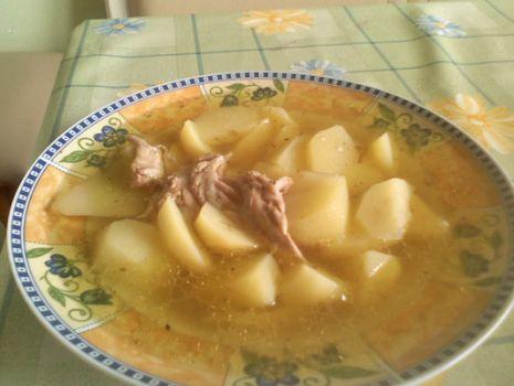 Przepis: Rosół z ziemniakami