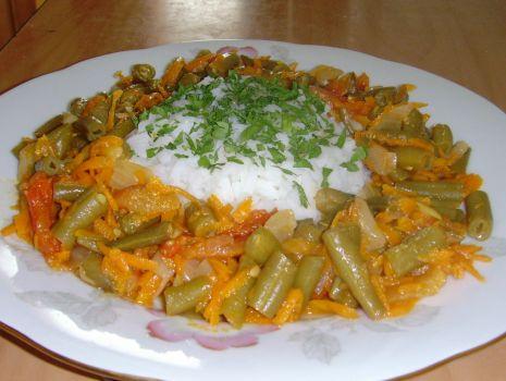 Przepis: Fasolka szparagowa z pomidorami