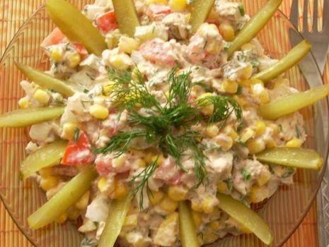 Przepis: Sałatka lunchowa z tuńczykiem