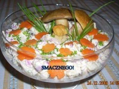 Przepis: Sałatka z marynowanymi grzybkami
