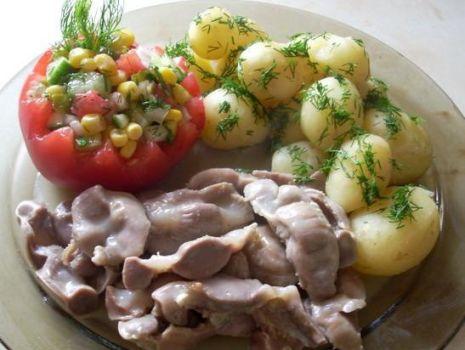 Przepis: Żołądki kurze w sosie czosnkowym