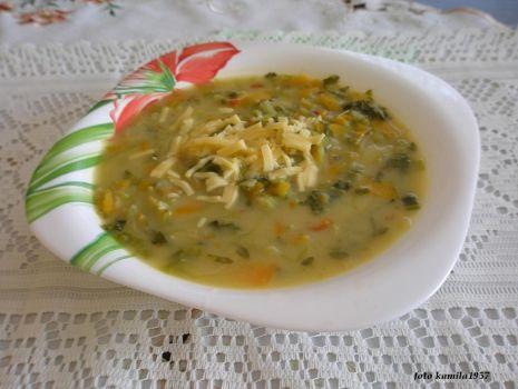 Przepis: Zupka serowo warzywna