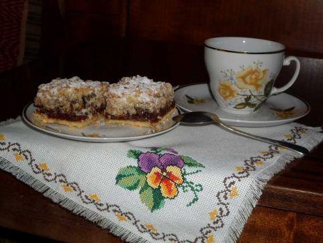 Przepis: Niedzielne ciasto z orzechami