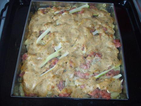 Przepis: Zapiekanka makaronowa z mięsem mielonym