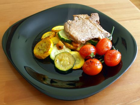 Przepis: pieczone warzywa ze schabem