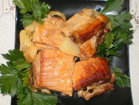 Przepis: Żeberka z cebulą z Garnka rzymskiego :